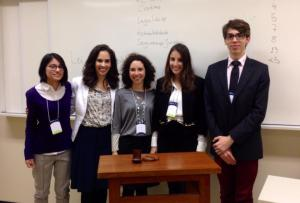 Da esquerda para direita:  Fabiane Midori Sousa Nakagawa, Raquel da Cruz Lima, Luisa Weichert, Surrailly Fernandes Youssef e Bernardo Fico